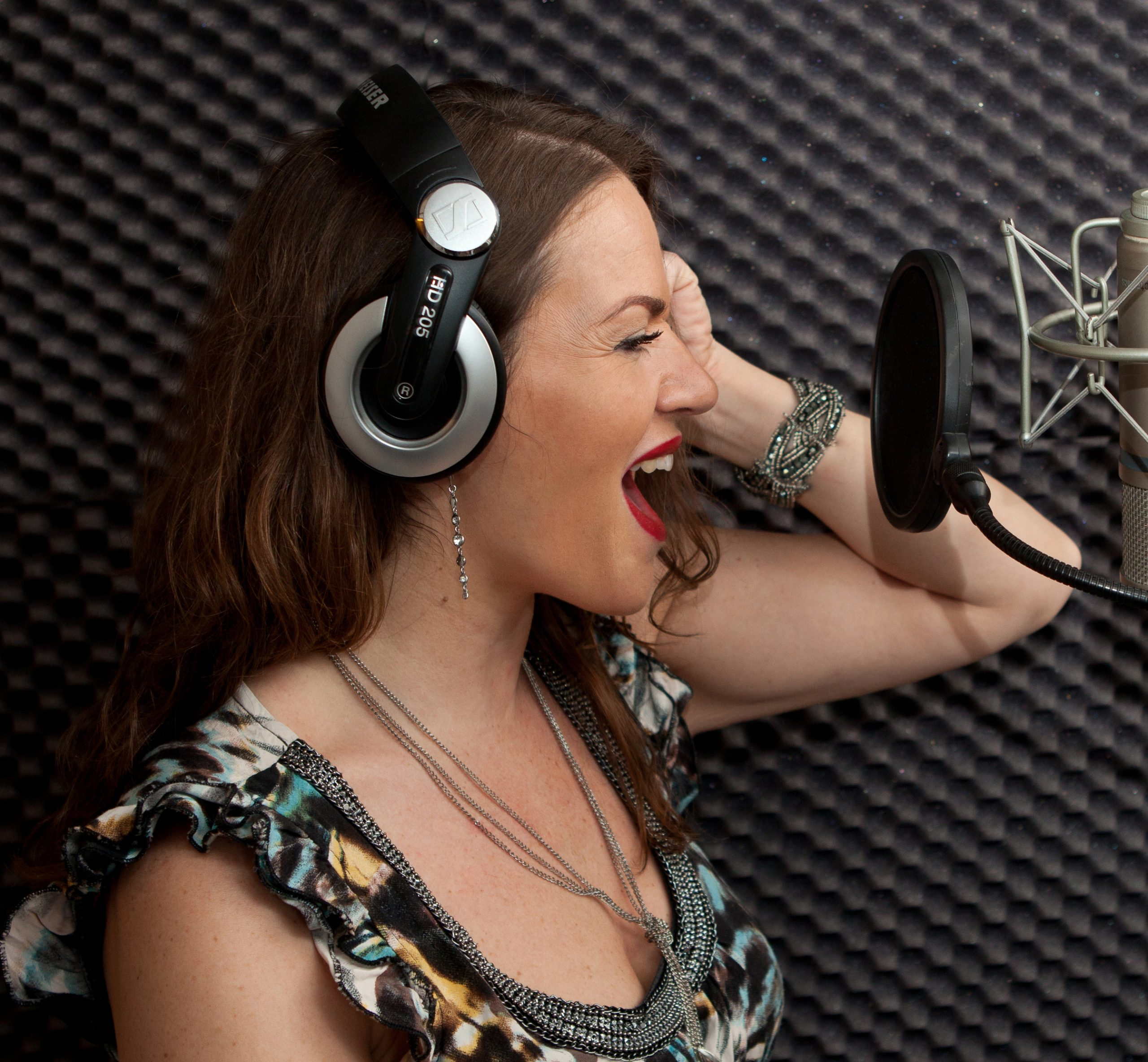 Sophia Stutchbury Singer Songwriter Topliner Recording Studio Folkestone